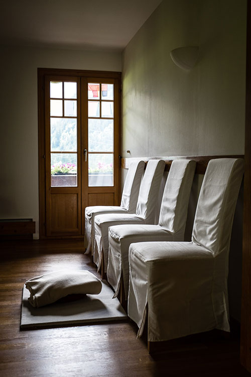 dhammapala-interior-chairs