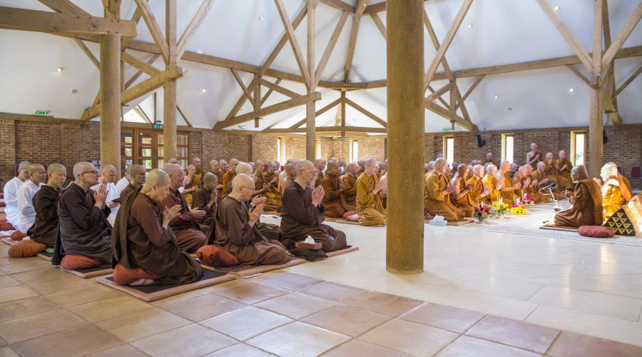 Rezitation des Sangha