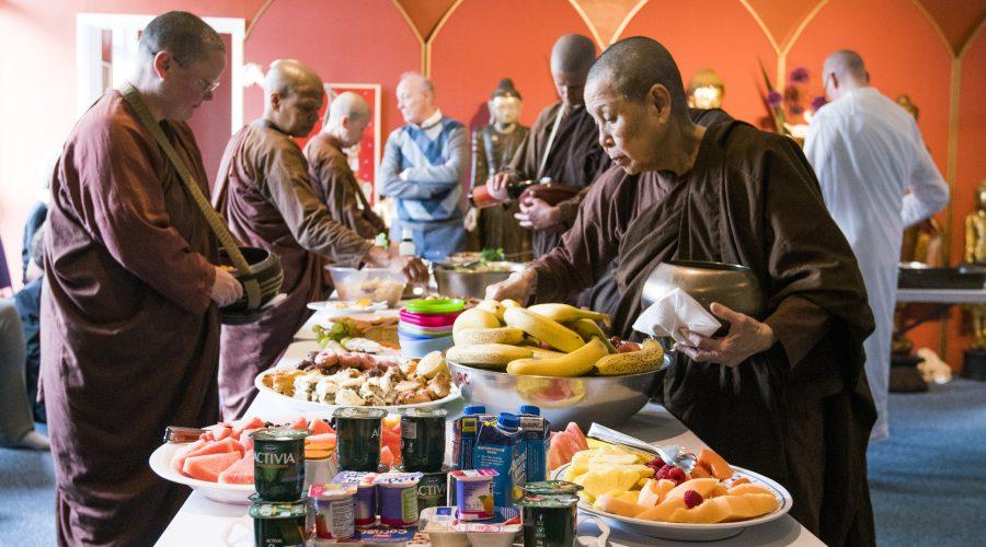 Nuns collecting almsfood